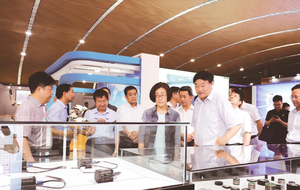 江西省委常委、赣州市委书记吴忠琼来我公司考察调研工业高质发展